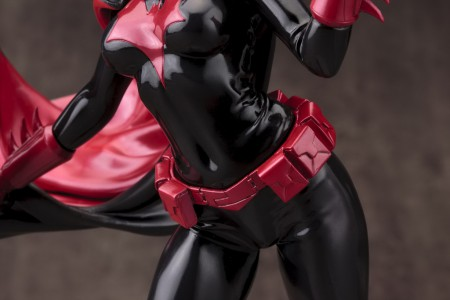 DC021_Batwoman_0124_R