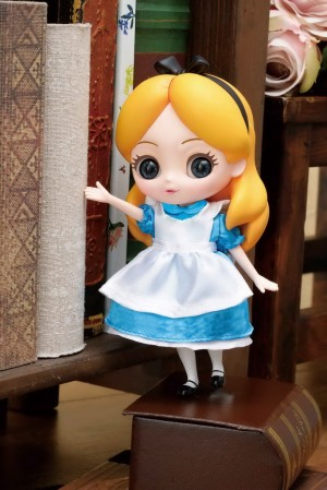 CUICUI Disney Characters プレミアムDoll~Alice~_01